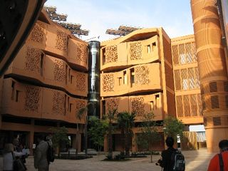1332-masdar-institute-tour-a-living-energy-efficiency-laboratory