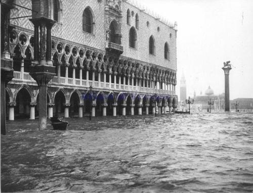 Venice-underwater-1966